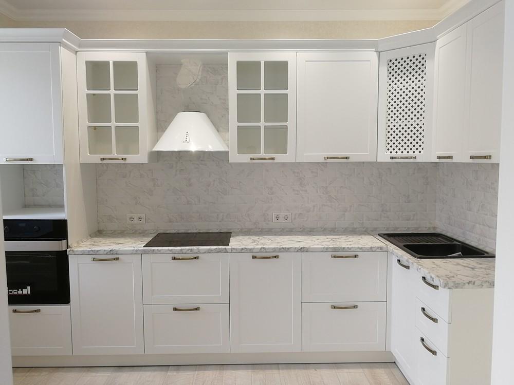 Белый кухонный гарнитур-Кухня МДФ в ПВХ «Модель 522»-фото1